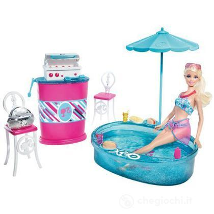 Barbie e il mondo della casa grill e piscina t9082 for Piscina di barbie
