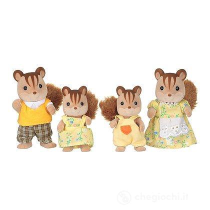 Famiglia scoiattoli manto chiaro
