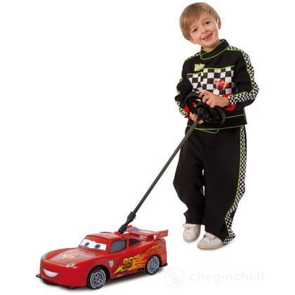 Turbo pilota Saetta McQueen. Cars 2