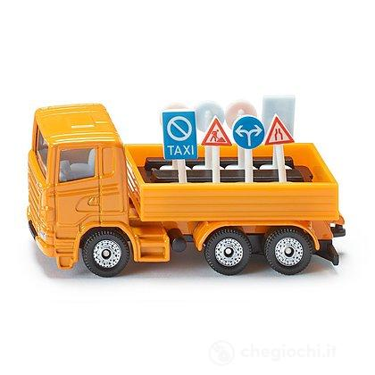 Camion con segnali stradali (1322)