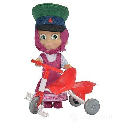 Masha con triciclo