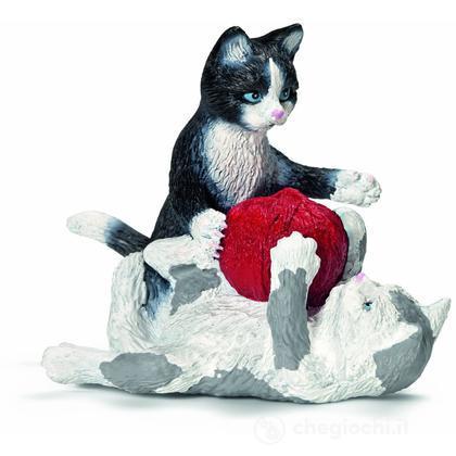 Gattini con gomitoli di lana (13724)