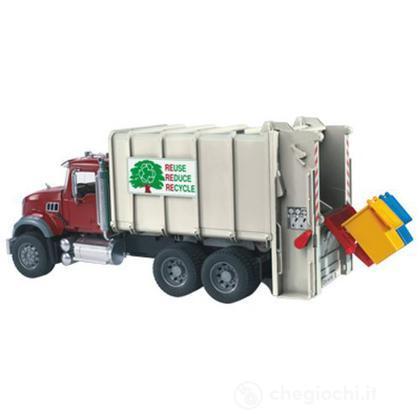 Mack camion trasporta rifiuti (2810)