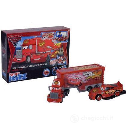 Cars 2 Deluxe kit - Saetta McQueen e Mack