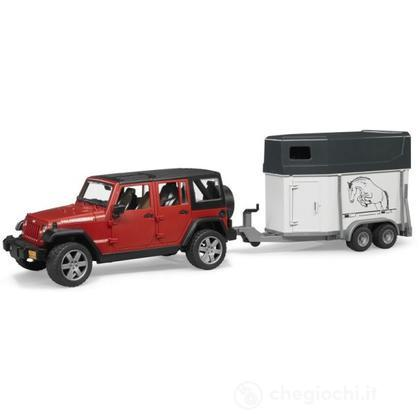 Jeep Wrangler Unlimited Rubicon con rimorchio e 1 cavallo