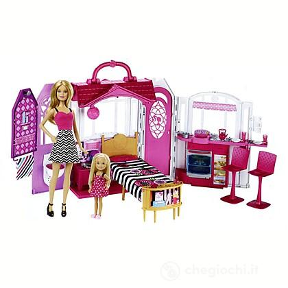 Barbie casa vacanze glam con barbie cml26 casa delle for Casa accessori
