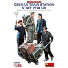 German Train Station Staff 1930-40s Scala 1/35 (MA38010)