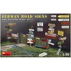 German Road Signs Ww2 (Eastern Front Set 1) Scala 1/35 (MA35602)