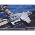 Aereo USN F-8E VF 162 THE HUNTERS 1/72 (AC12521)