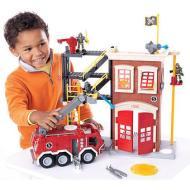 Camion e caserma dei pompieri  (N0764)