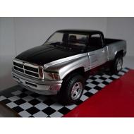 Auto Pick-Up Chevrolet 1:32 (54093N)