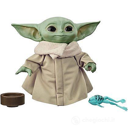Hasbro GUERRE STELLARI il Nero serie I Mandaloriani il bambino Baby Yoda in mano