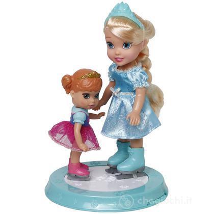 Elsa ed Anna sulla pista di pattinaggio (GPZ18504)