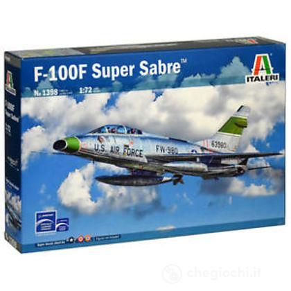 Aereo F-100F Super Sabre 1/72 (IT1398)
