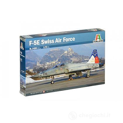 Aereo F-5 E Swiss Air Force. Scala 1/72 (IT1420)