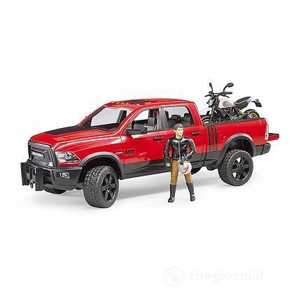 Veicolo Ram 2500 Power Wagon con moto Scrambler Ducati Desert Sled e personaggio (02502)