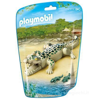 Alligatore con cuccioli (6644)