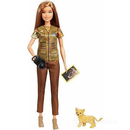 Barbie Fotoreporter con Cucciolo di Leone National Geographic (GDM46)