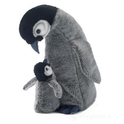 Pinguino madre e cucciolo
