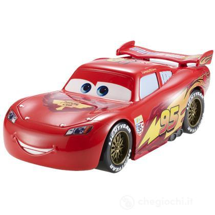 Cars Saetta McQueen con retrocarica (Y9412)